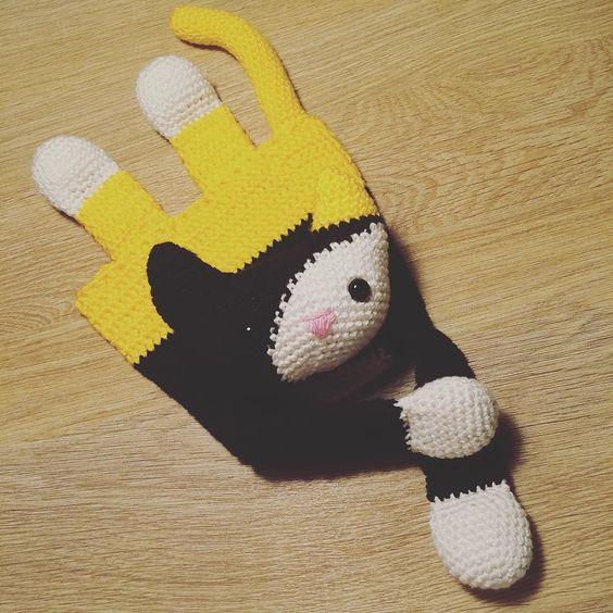 _zackarina_:: Miyauuuuuwww! #örgü #crochet #crochetlover #amigurumi #amigurumilove #amigurumidoll  #sevgiyleörüyoruz #sağlıklıoyuncak #organikoyuncak #likeforlike #yarn #knit #gurumigram #handmade #elemeği #uykuarkadasi #cat #kedi #ragdoll #tığ #hook #tulip #bebek #çocuk #bebekodası #çocukodası #kediko #kedicik #10marifet #gurumigram