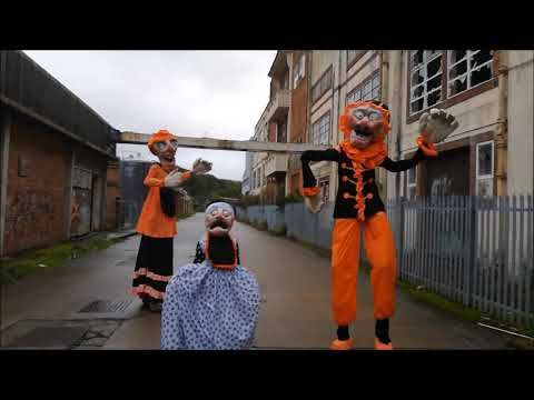 Halloween 2020 Actresses Halloween Puppet Stilts in 2020   Terrifying halloween, Halloween
