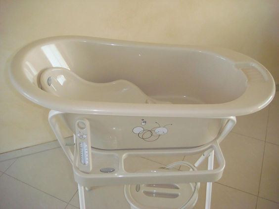 baby bath tub with stand by bebe jou kidzo pinterest babies tubs and baby bath tubs. Black Bedroom Furniture Sets. Home Design Ideas