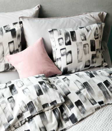 Duvet Cover Set With A Printed Pattern Fastens At Foot End Concealed Metal Snap Fasteners One Pillowcase Thread Count