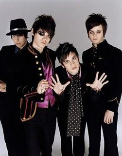 Seriously, how do girls resist this!? ❤❤❤❤❤❤❤❤❤❤❤❤❤❤❤❤❤❤❤❤❤❤❤❤ (This is Panic at the disco!)