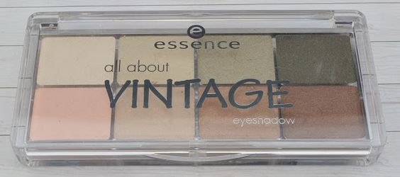 Essence 05 all about vintage eyeshadow Palette