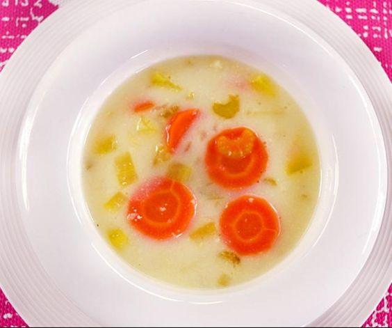 Elaborada por la chef Sophia Rodríguez Mata.  Sopa de pollo cremosa.