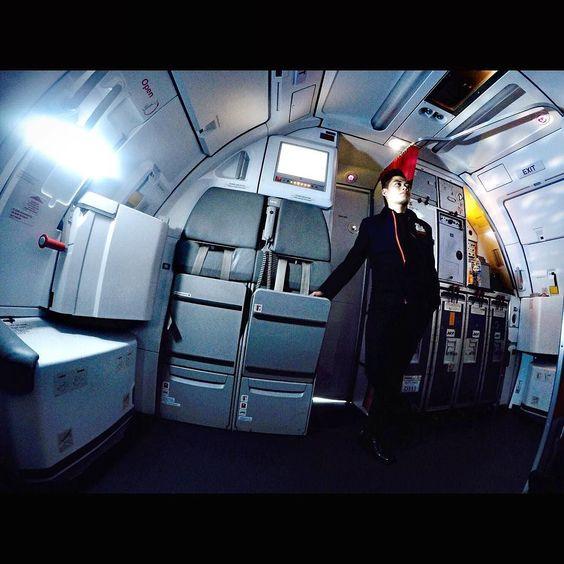 A new day a new prospect .... #crewfie #hosphotography #crewlife #airbus320 #jetstar #jetcrew #myflyingdairy #travelnliving by vanhos66
