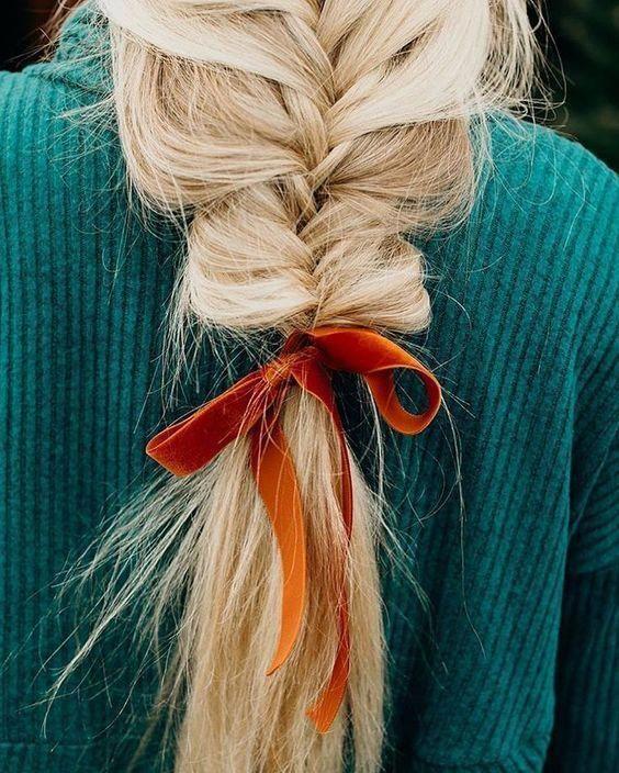 Messy braid with orange velvet ribbon. Perfect hair idea for fall. #messyBraided