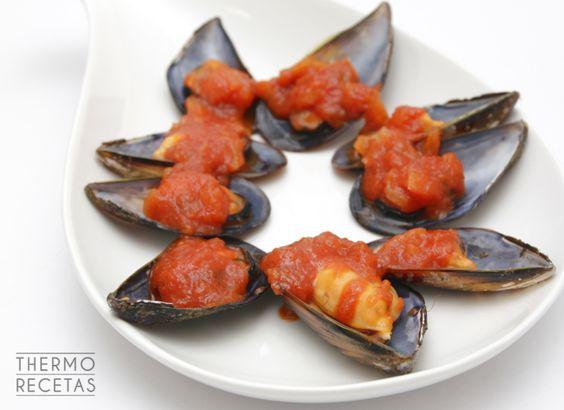 Una idea fabulosa para una cena rápida y muy sana: mejillones en salsa picantona. Para los amantes del picante en las comidas ¡es vuestra receta!