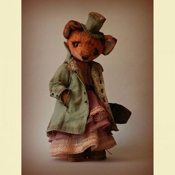 Всем доброго утречка! Новая фоточка моей лисоньки.  ПРОДАНО  #лиса #handmade #mastercraft #livemaster #fox # пальто #teddi #teddishoes #misolutionforlife @solutionsforlife
