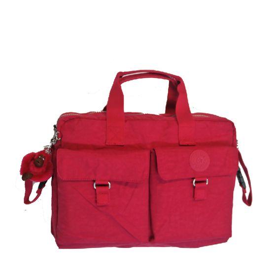 <p><p>Nueva pañalera New Baby Bag L de Kipling con cambiador completo, acoples para cochecito o sillita y portabiberones. Lleva todos los enseres imprescindibles para tu bebé en la espaciosa pañalera New Baby Bag. Esta formidable bolsa, que cuenta con un cómodo espacio de almacenamiento aislante con portabiberones, bolsillos de organización y varios opciones de transporte, te aportará comodidad en tus desplazamientos.</p><br><ul><li>La bolsa incluye:</li><li>Cambiador plegable para bebés (60…