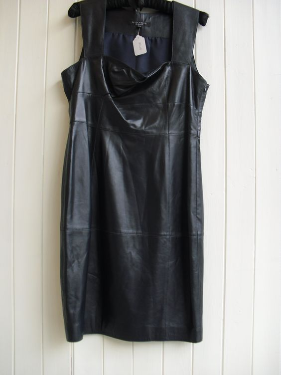 Leather love in. Navy dress by LK Bennett £110 size 14 O99/8