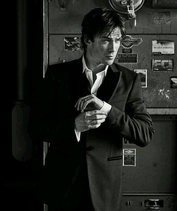 Ian Somerhalder - 03/12/16 - #iansomerhalder looking like a #badass on the cover of modernluxury | styled by @heidimeek | | photographed at the coolest loft @gernonanon #vampirediaries | this photo though...✨ https://www.instagram.com/p/BNic0utA2UU/?taken-by=johnrussophoto&hl=es - Twitter / Instagram Pictures
