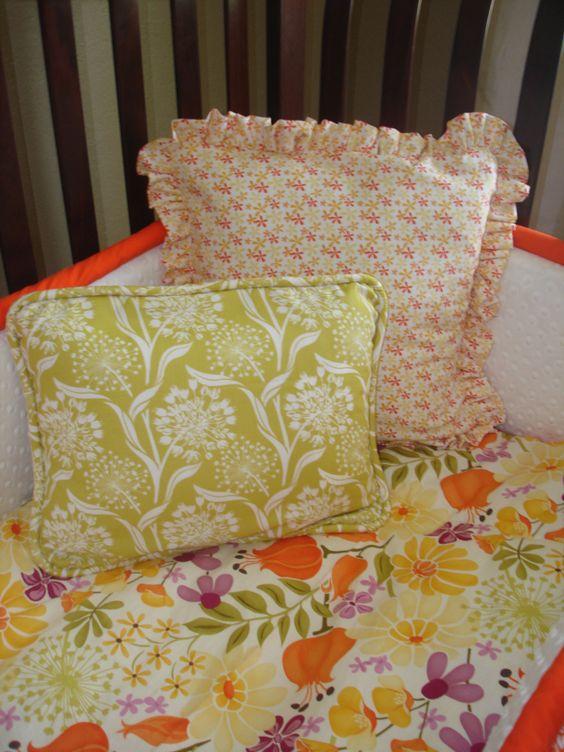 Custom Decrotive Pillow - I like the Green pillow.