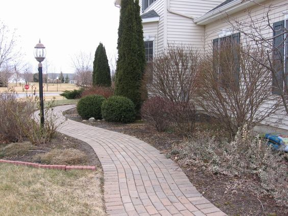 Curved brick walkway, no cutting required