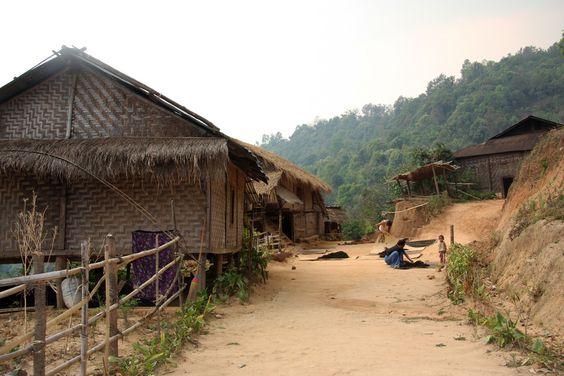https://flic.kr/p/aAKEcC | Traditional village in the area around Kyaukme, Myanmar / Burma