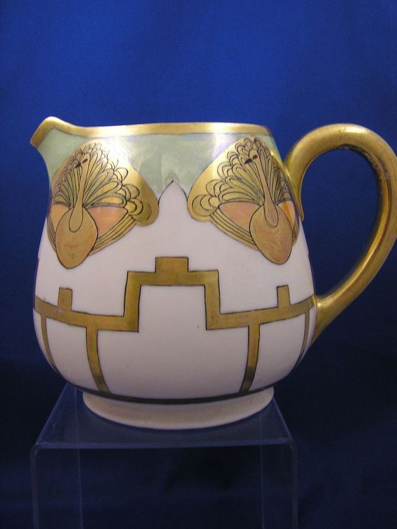 "Hutschenreuther Selb Favorite Bavaria Art Deco Peacock Motif Pitcher (Signed ""Haskell""/c.1920-1940)"