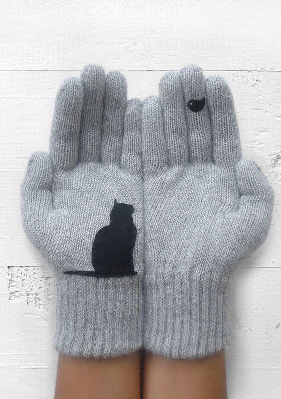 """Haz que sea encantador mostrar el dedo (sip, está en el dedo del medio)   Community Post: 17 fabulosas cosas para la moderna y cool """"loca de los gatos"""""""