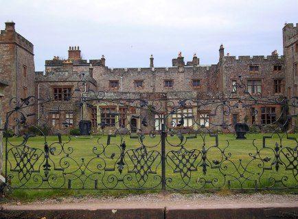 """Dormir con la entidad – Una Cuantitativa Investigación magnética en un castillo Inglés """"Embrujado""""   Realidad Trascendental"""