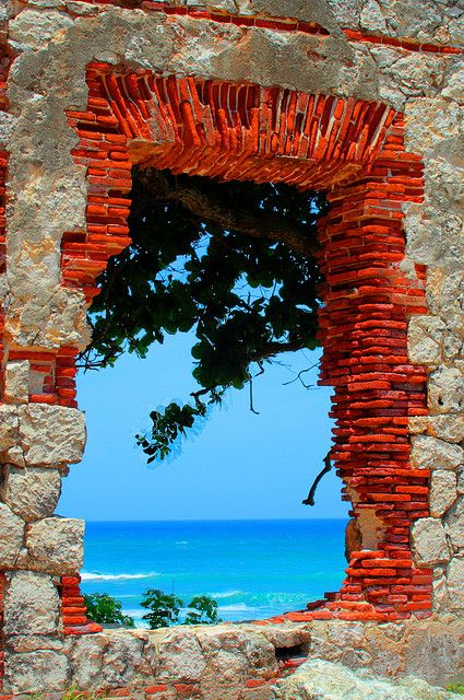 Doorway to the sea. kn: