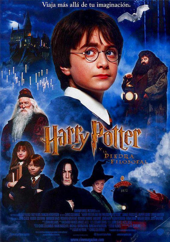Harry Potter es un huérfano que vive con sus desagradables tíos, los Dursley, y su repelente primo Dudley. Se acerca su undécimo cumpleaños y tiene pocas esperanzas de recibir algún regalo, ya que nunca nadie se acuerda de él. Sin embargo, pocos días antes de su cumpleaños, una serie de misteriosas cartas dirigidas a él y escritas con una estridente tinta verde rompen la monotonía de su vida: Harry es un mago y sus padres también lo eran.