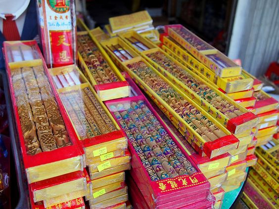 candles for sale for tet