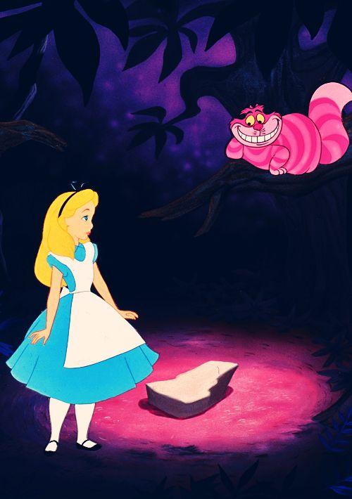 Alice. Questo è uno dei personaggi che ho cominciato ad apprezzare maggiormente da adulta. Da bambina non era uno dei miei preferiti ma adesso lo è. Nel mondo di Alice la fantasia non ha limiti ed è un mondo dove tutto è possibile.