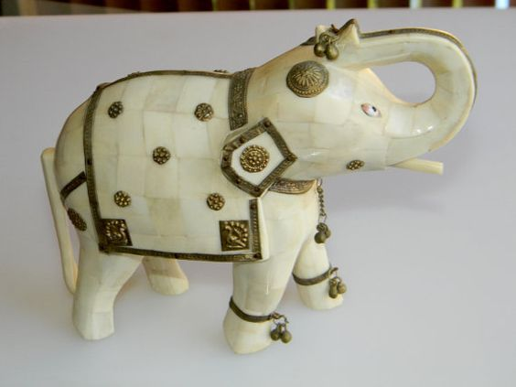 Hey, I found this really awesome Etsy listing at https://www.etsy.com/listing/256892402/vintage-1950s-india-camel-bone-war