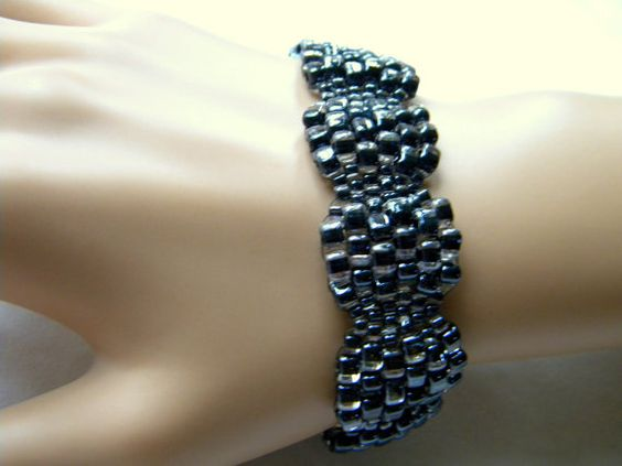 Scalloped Black and Crystal Peyote Bracelet