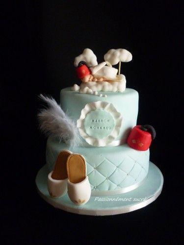 Gâteau pour une circoncision, il n\u0027est pas mimi mon petit bébé vêtu de