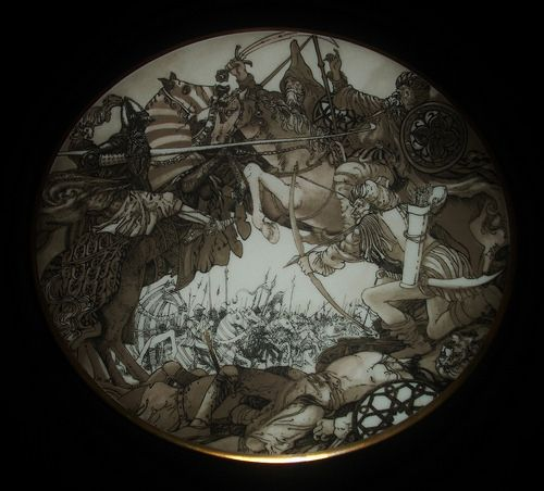 Memórias e Arquivos da Fábrica de Loiça de Sacavém - Conjunto de três pratos, em porcelana da fábrica da Quinta Nova, com ilustrações de Lima de Freitas (1927-1998).