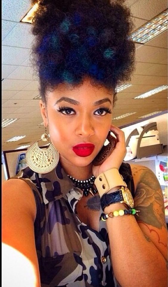 Natural hair. Afro puff.