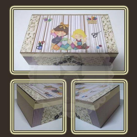 Caixa de Costura em MDF  -Scrap decor -Nomes com letras em MDF -Caixa grande com fechadura -Sem divisórias -Vários modelos e tamanhos -Faço qualquer cor e tema  ***As peças podem sofrer alterações devido a disponibilidade do produto*** R$ 88,00