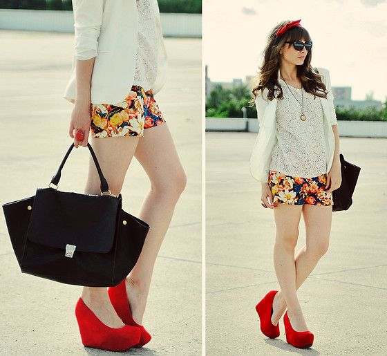 Lace top, floral shorts & red heels