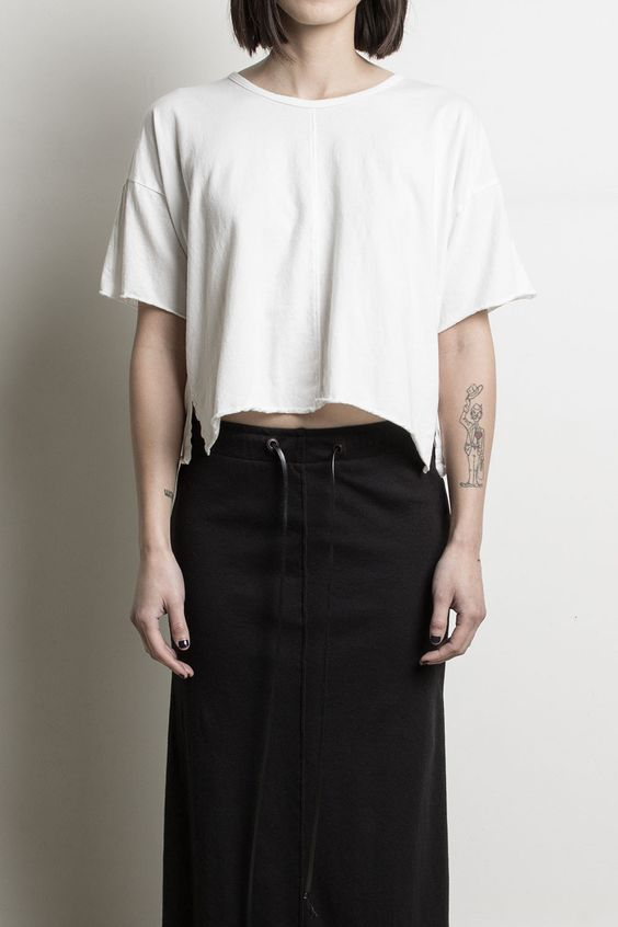 oversized cropped tee