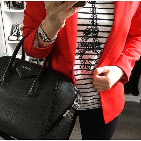 Einen wunderschönen guten Morgen!  Wenn gar nichts geht dann muss der Klassiker herhalten: Schwarz-weiß mit etwas Rot und Streifen sind auch dabei!  Kommt gut durch den Tag!  #blackandwhite #stripes #red #givenchy #antigona #streifenclub #hm #soliver by redfox_1.0