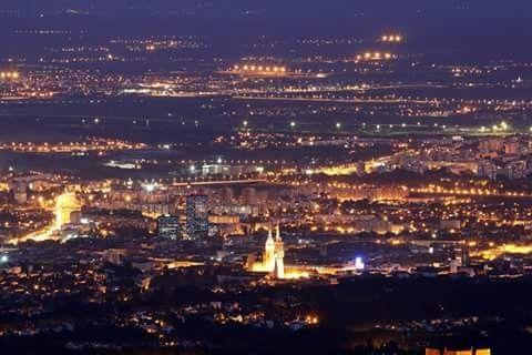 Zagreb By Night Zagreb Croatia Zagreb Paris Skyline