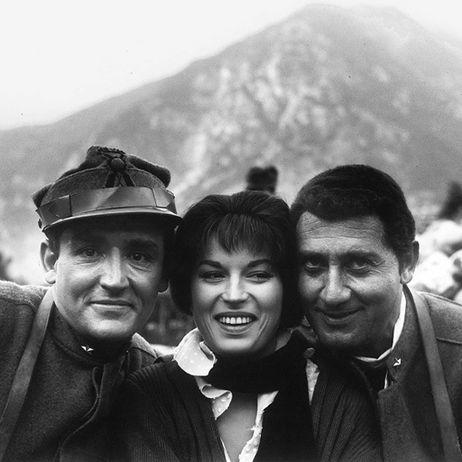 """Vittorio Gassman, Silvana Mangano e Alberto Sordi sul set di """"La Grande Guerra"""""""