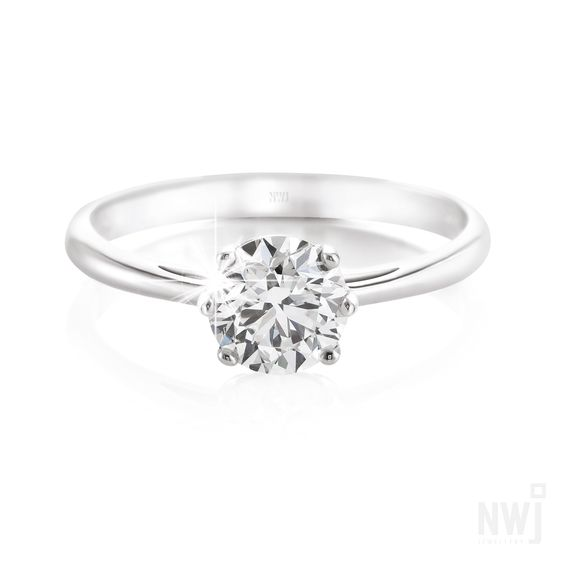 Diamond Catalogue: Gorgeous 18ct White Gold Ring With