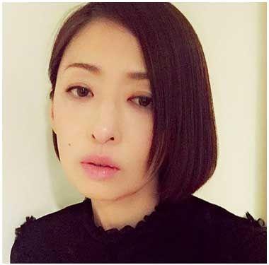ぷっくり唇の松雪泰子
