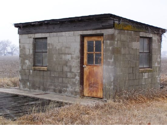 Old west cinder block shed old west style building ideas for Cement block house