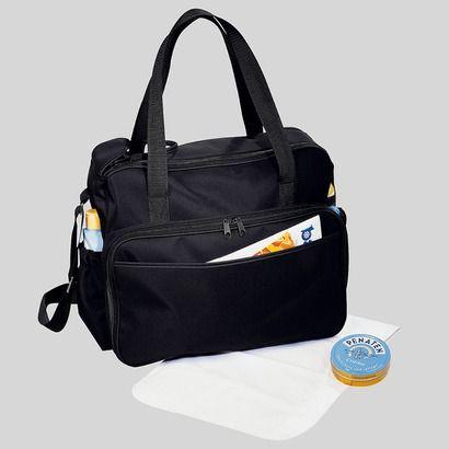 Wickeltasche von Baby Walz für 19,90€ Mit großen Reißverschluss-Taschen an den Seiten. Im großen Innenfach ist ein herausnehmbarer Utensilienbeutel und eine Wickelunterlage. Mit zwei Tragegriffen und einem verstellbaren Tragegurt.