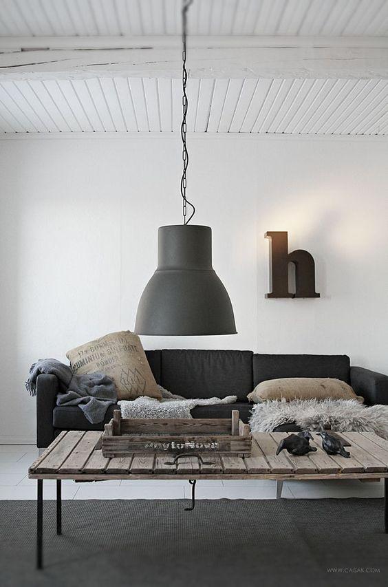 HEKTAR lamp | Deze pin repinnen we om jullie te inspireren. #IKEArepint #IKEA #hanglamp #plafondlamp #landelijk # landelijk wonen #verlichting #woonkamer: