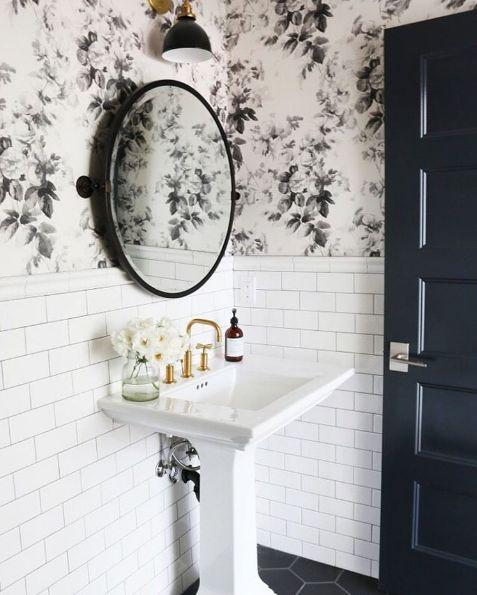 Einfarbige Selbstklebende Tapeten : Black and Gold Wallpaper for Bathroom