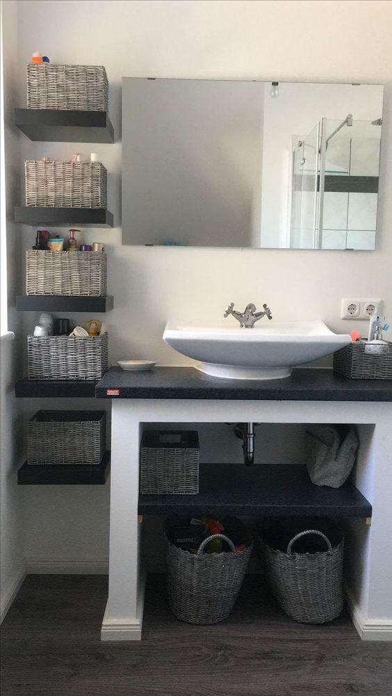 Selbst Gemachtes Badezimmerregal Badezimmerregal Hausgemachtes Regal Wohnaccessoires Badezimmer Mod In 2020 Small Bathroom Decor Bathroom Shelves Bathroom Decor