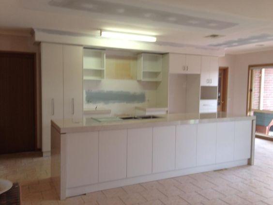 New kitchen doors in laminex moleskin benchtops laminex for Cheap kitchen benchtop ideas