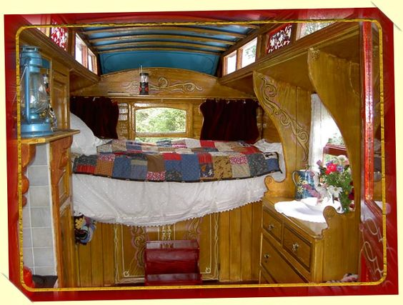 Google Image Result for http://www.gypsycaravanholidays.co/images/interior.jpg