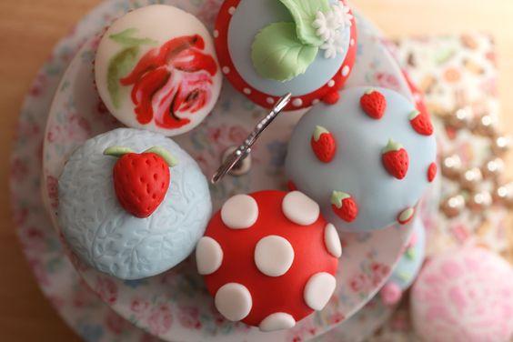 Love the toadstool cupcake idea!