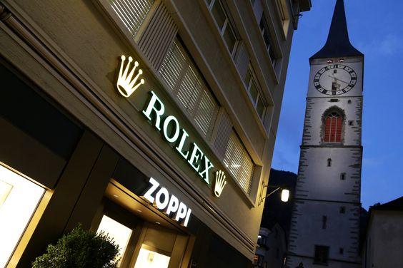 Seit über 80 Jahren neben der Martinskirche im Herzen der Churer Altstadt. www.zoppijuwelier.ch