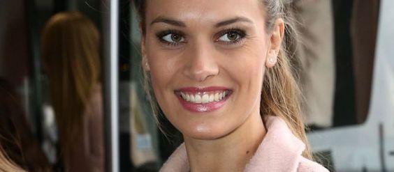 #MissFrance : Miss Provence a bafouillé sur scène à cause de Jean-Pierre Foucault