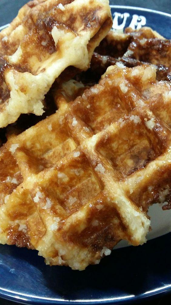 Waffle de Liège com pérolas de açúcar 😊#henriscreperia # cursodewaffle