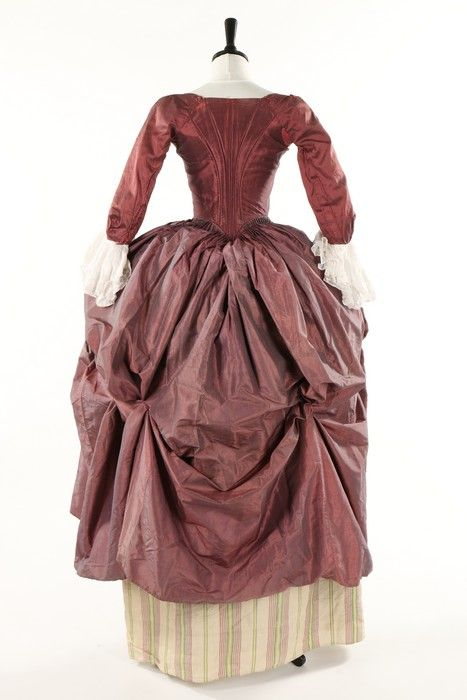 "fripperiesandfobs: ""Robe à l'anglaise retrousée, late 1770′s From Kerry Taylor Auctions """