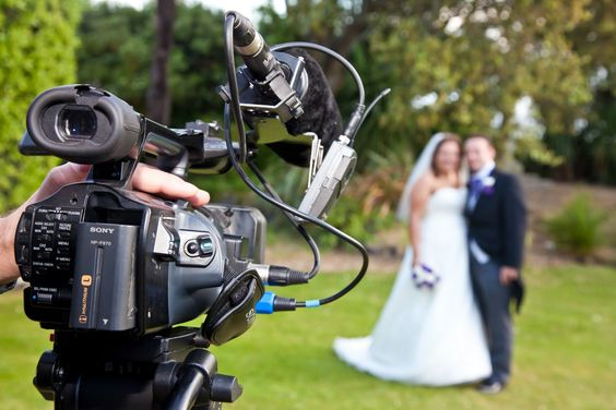 DSLR videography guide for Wedding. This dslr guide has made for a beginner videographer.